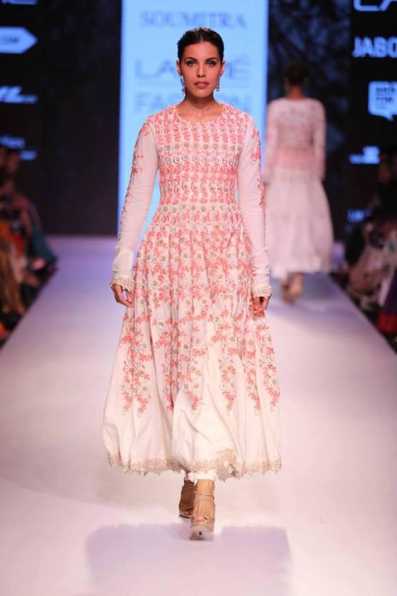 bridal inspiration sister - sangeet soumitra marg