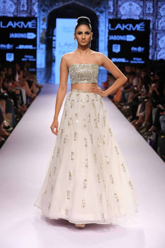 bridal inspiration sister wedding payal singhal