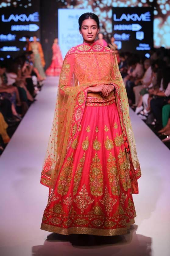 Traditional-Pink-Bridal-Lehenga-Soumitraa